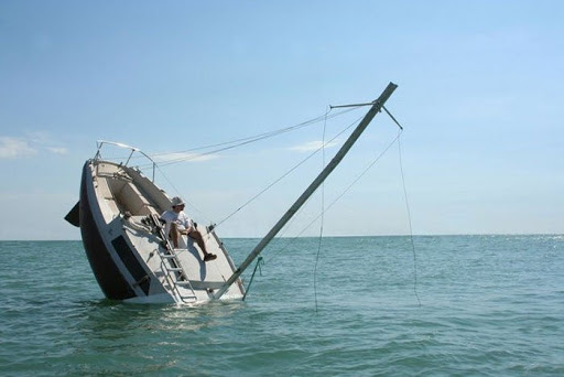 sinking-boat%20%289%29%5B2%5D