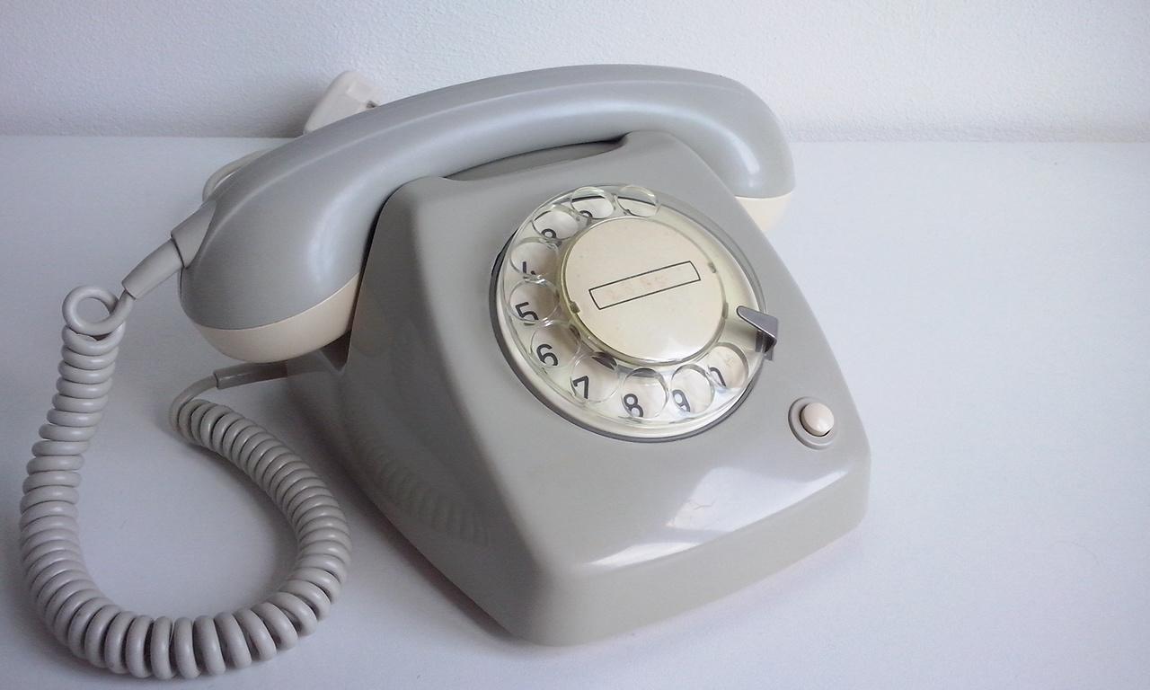 ptt-t65-telefoon-met-draaischijf